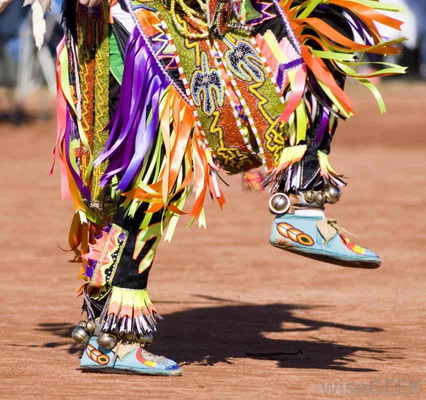 indian-powwow-feet-wisegeek.com